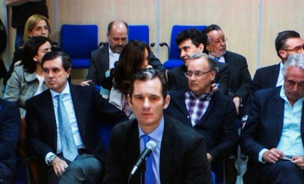 Imagen de Iñaki Urdangarín a través del monitor de la sala de prensa de la Escuela Balear de la Administración Pública (EBAP), donde hoy continúa el juicio por el caso Nóos. EFE