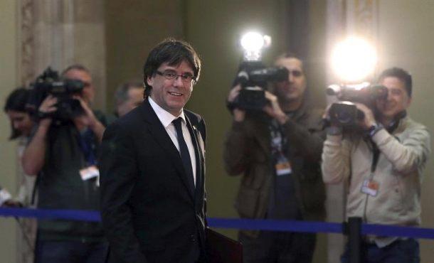 "Puigdemont avala una consulta pactada, pero no una ""zanahoria"" constitucional"