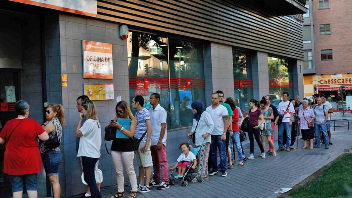 Rajoy prorroga un año la ayuda de 426 euros para parados de larga duración sin ningún subsidio