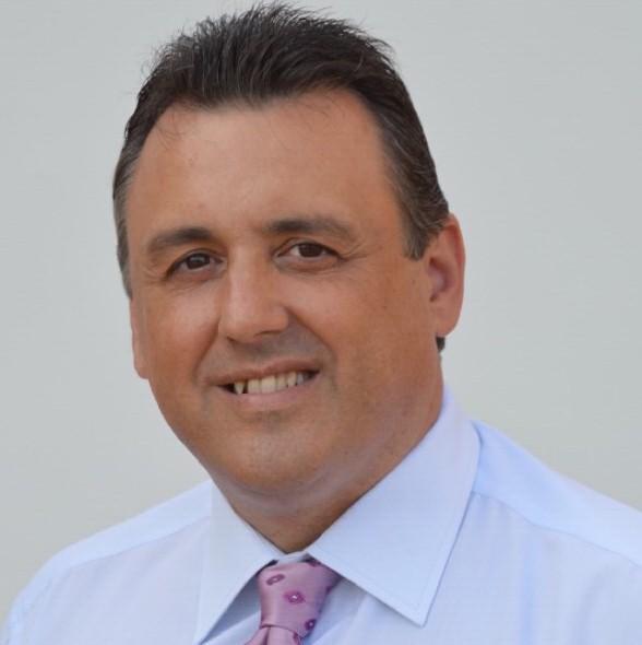 El conceja del PP en Palafoll, en unas imágenes archivo de su cuenta oficial en las redes sociales, Oscar Berman Boldu. lasvocesdelpueblo