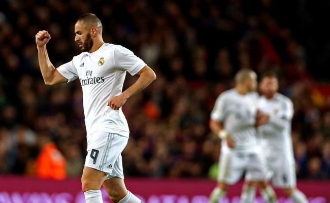 El equipo blanco Real Madrid se lleva el Clásico en la habitación del FC Barsa (1-2)