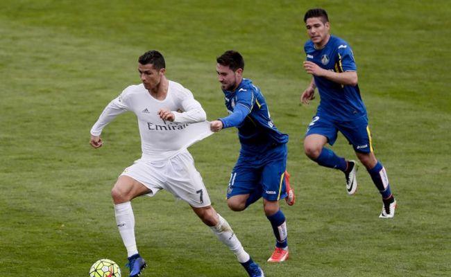 Otra colección de goles (1-5) y asistencias lanza al equipo merengue hacia la caza del FC Barsa