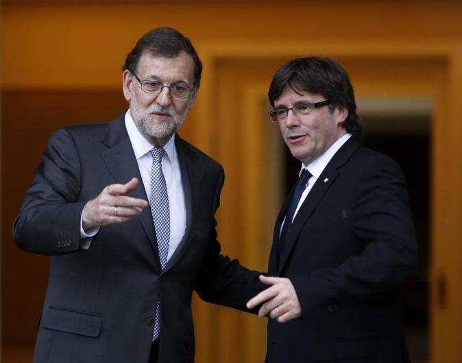Puigdemont engañó a Rajoy en la Moncloa: El Gobierno cede y no llevará más ante el TC al separatismo