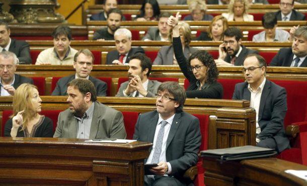 JxSí y CUP aprueban otra moción separatista que ratifica la rupturista del 9N anulada por TC