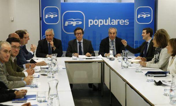 El PP suspende de militancia al alcalde de Granada y a la concejal de urbanismo