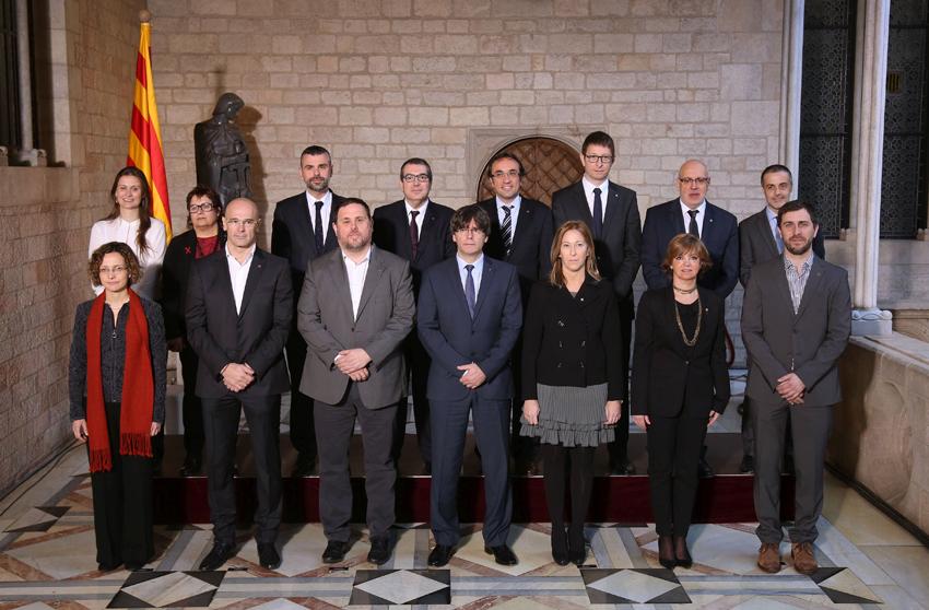 242 cargos del nuevo gobierno catalán cobran más que el Presidente del Gobierno Mariano Rajoy