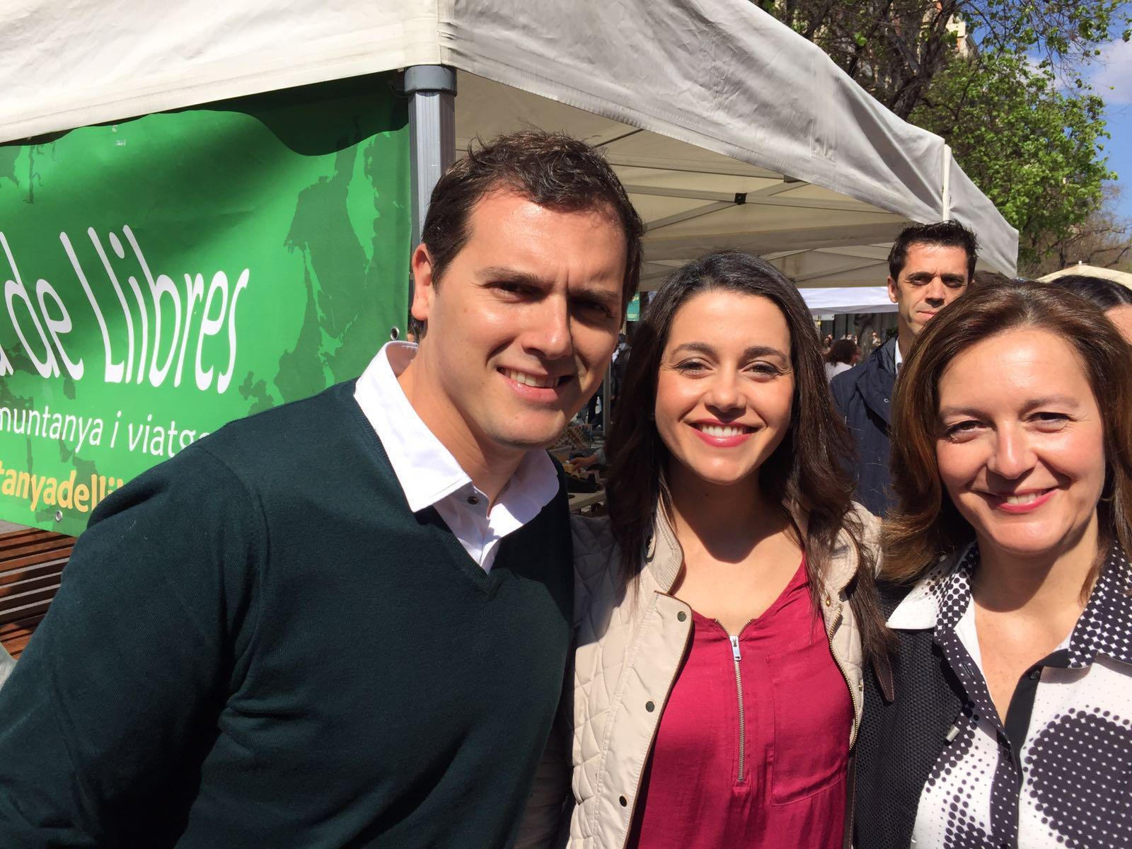 """Rivera pide """"al PP y Podemos"""" no """"poner obstáculos"""" y apoyar """"un acuerdo en temas básicos"""""""