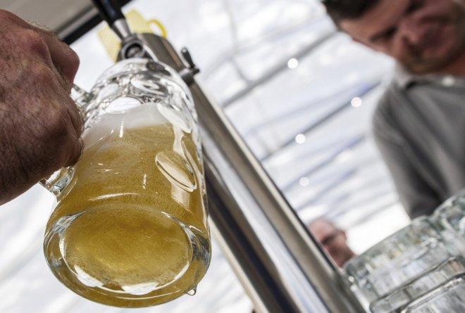 La cerveza perfecta en 7 pasos: Sobre todo, no se bebe en vasos congelados