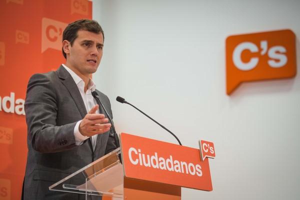 """Rivera veta a Rajoy: """"No quiero entrar en un gobierno"""" que saldrá """"los viernes a defender a Rita Barberá"""""""
