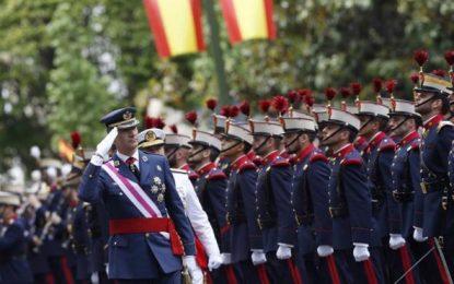 España vive su primer 12Oct sin Gobierno, con suicidio del PSOE y ausencia de Pablo Iglesias