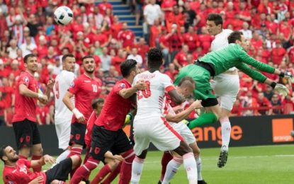 Albania, regalo fraternal a Suiza