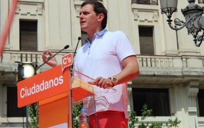 """Rivera: """"El PP y el PSOE tienen clientelismo y corrupción"""" por eso """"el voto útil"""" el 26-J """"es Ciudadanos"""""""