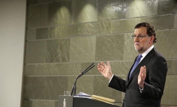 """Rajoy: """"Los delirios autoritarios y frentistas"""" de Puigdemont y Junqueras """"nunca podrán"""" con España"""