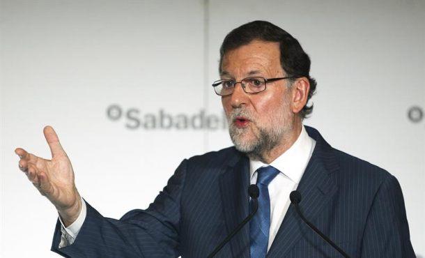"""Rajoy: """"Juntos"""" PP y PSOE tienen """"más posibilidades de hacer las cosas"""" mejor """"en cataluña"""""""