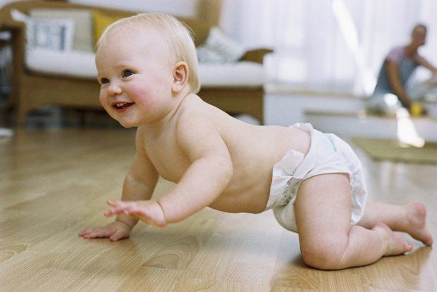 El Parlamento de Galicia aprueba exigir la rebaja del IVA al 4% para los pañales de los niños