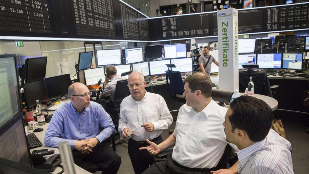 Operadores en la Bolsa de Fráncfort. EFE