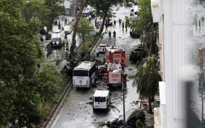 Al menos 5 heridos en un atentado contra un autobús policial en Estambul