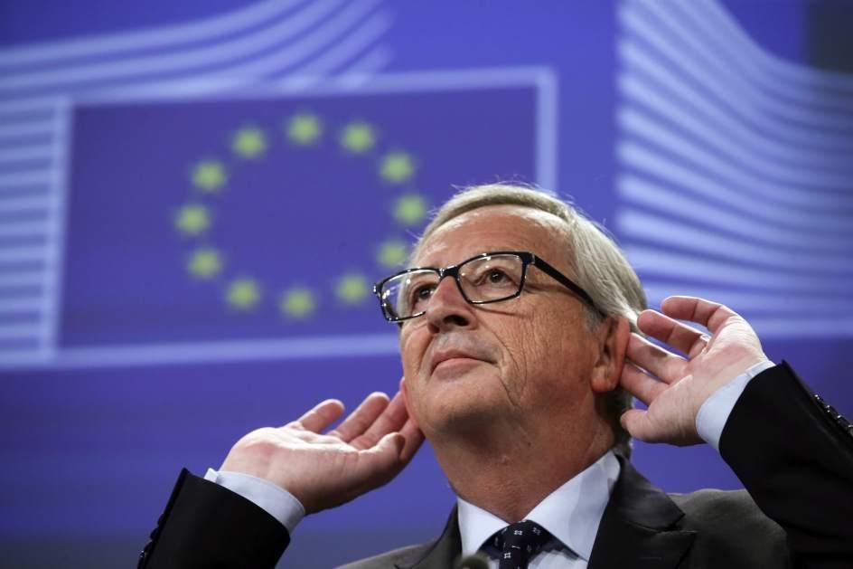 Bruselas aclara que la UE reconocería el referéndum separatista del 1-O sólo con el aval de Rajoy