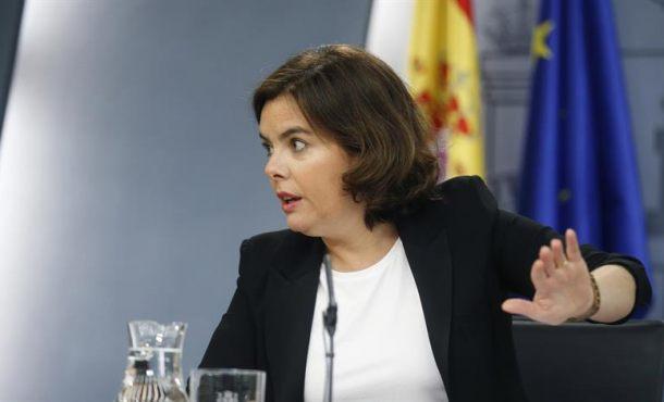 """El Gobierno a Puigdemont:""""La negociación en democracia solo tiene un camino, la Ley"""""""
