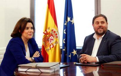 """Soraya financia el golpe de JxSí con 680 millones de € y dice ahora: España """"no dejar pasar ni una"""""""