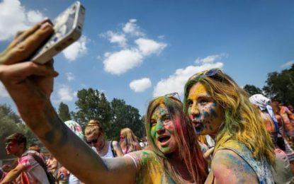 Las autofotos, 'Selfi', incrementan el contagio de piojos entre los alumnos europeos