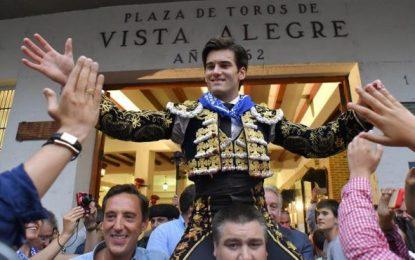 José Garrido, a hombros, también remonta la nula raza de los Fuenteymbros