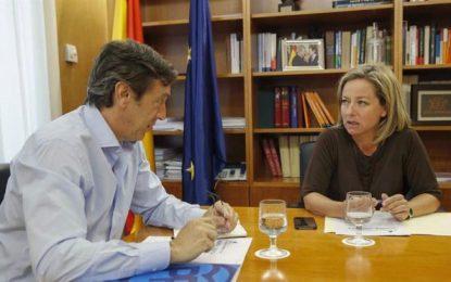 """Oramas: CC ha enviado sus propuestas, del Sí a Rajoy, al PP. """"Estamos dispuestos a negociar"""" el gobierno"""