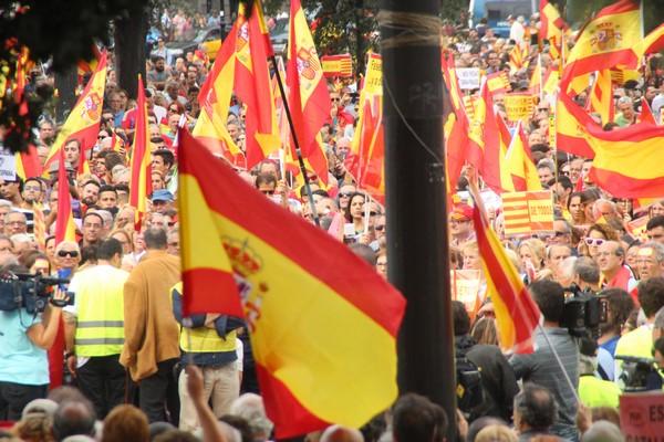 """«Doce Octubre» pide a Rajoy """"ampliar y prolongar el 155 en Cataluña"""""""