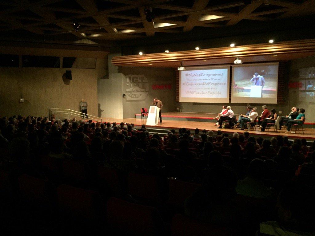 Centenares de asistentes hoy durante el acto 'no nos resignamos' para el cambio en España, un gobierno de proso. Lasvocesdelpueblo.