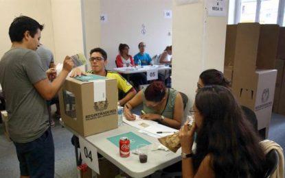 """Con el 99,64 % escrutado, Colombia firma el NO """"al chantaje de las FARC"""", celebra VOX en España"""