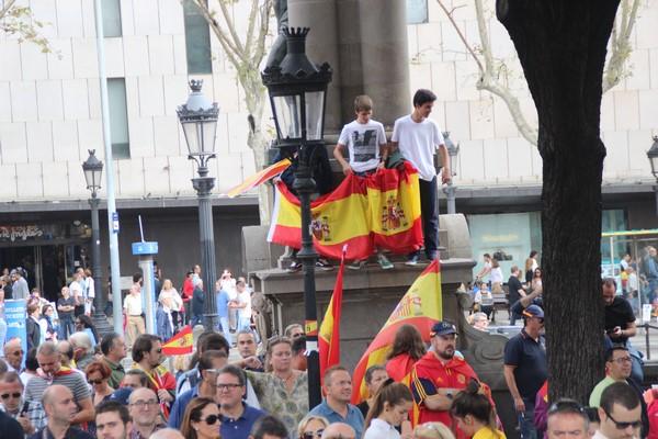 Llaman contra el 1-O en Plaza Urquinaona de Barcelona el sábado 30-S a 17:30 horas