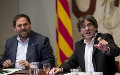 Puigdemont y la CUP incluyen en los presupuestos 5,8 millones para el referéndum separatista