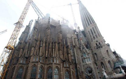 Ada Colau pide el 3,35% del presupuesto de la «Sagrada Familia», unos 840.000 € anuales