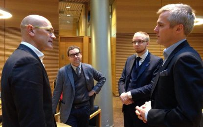 """(USí) denuncia la hipocresía de JxSí: simpatiza con """"extrema derecha Finlandesa"""" y ataca al 12O en Montjuic"""