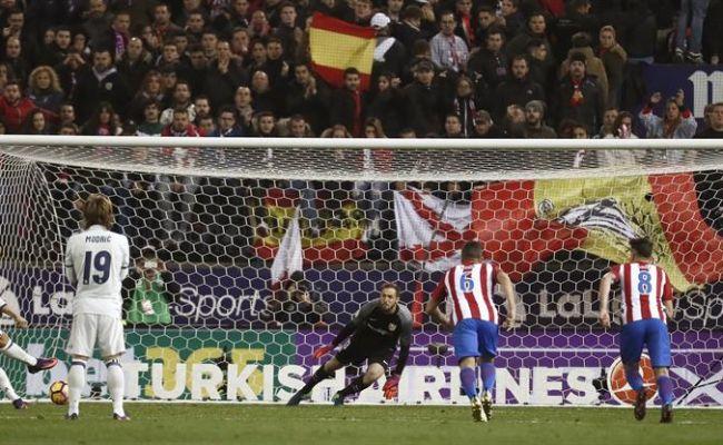 3 goles de cristiano someten al atl tico de madrid en su for El marca del madrid