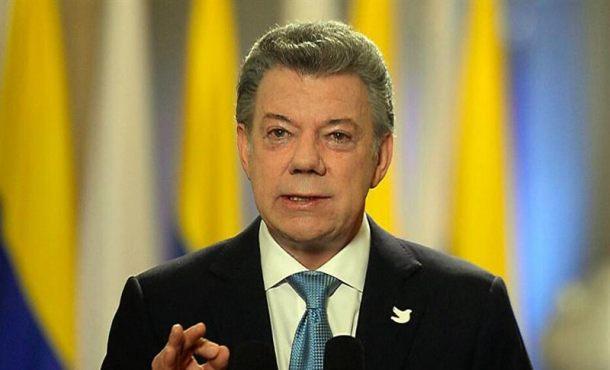 Fotografía cedida por la Presidencia de Colombia del mandatario colombiano, Juan Manuel Santos, durante una alocución en Bogotá (Colombia). Archivo efe.