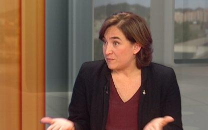 Ada Colau: Una moción de censura PP, ERC, C's y CDC es una locura y quiere repetir otro mandato