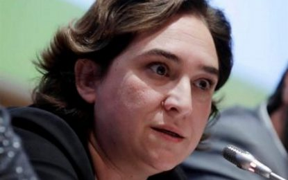 Ada Colau ataca a una persona con 500 mil euros de multa por intentar echar de su casa a okupas
