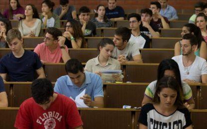 Los alumnos del Bachillerato deben obtener una calificación de 4 puntos para el acceso a la Universidad
