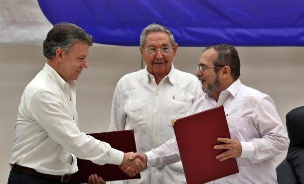 El presidente de Colombia, Juan Manuel Santos, firmará este lunes, tras recoger el premio Nobel de la Paz, un fondo fiduciario con el que la Unión Europea. Efe