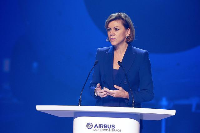 Entrega primer avión A400M . La ministra de Defensa de España, Maria Dolores de Cospedal. Lasvocesdelpueblo.