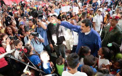 """Maduro denuncia una conspiración, """"no son la Derecha"""" de Venezuela, """"son los coletazos de Obama"""""""