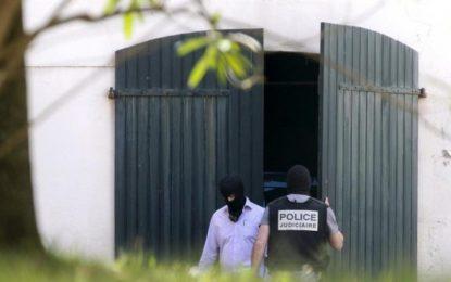 Depósito de ETA (Francia): Pistolas, fusiles, revólveres, explosivos, detonadores y temporizadores