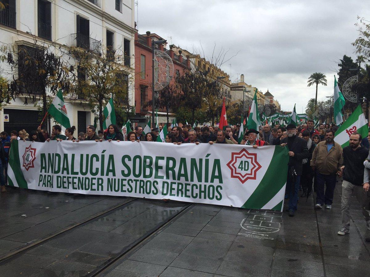 Los separatistas andaluces de hoy liderados por Podemos e IU con JxSí y endidades separatistas, 39 años después, vuelven a salir a las calles exigiendo la destrucción de la Unidad Nacional. Lasvocesdelpueblo