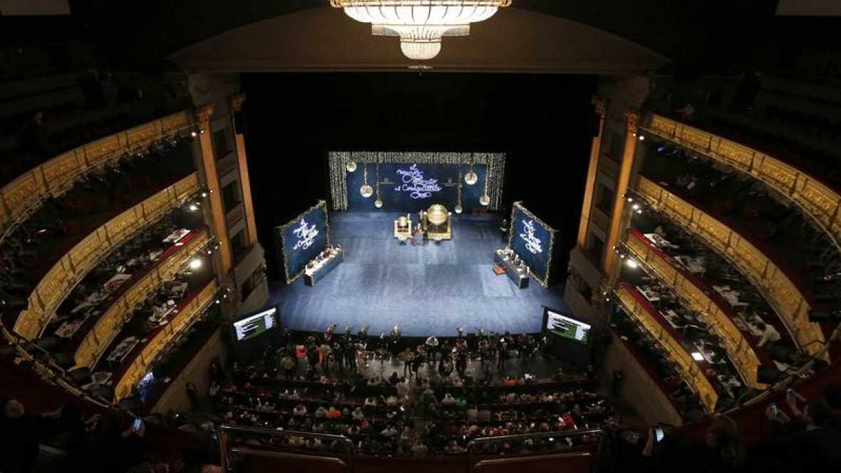 Vista general del Teatro Real momentos antes de que dé comienzo el Sortero de la Lotería de Navidad de 2015. Archivo Efe