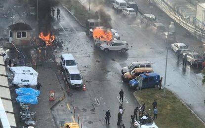 (Vídeo). 10 heridos y 2 terroristas abatidos por la policía tras la explosión en Esmirna (Turquía)