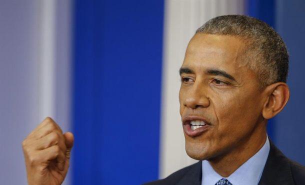 """Washington (Estados Unidos de América), 18 ene (EFE).- El presidente de Estados Unidos, Barack Obama, aseguró hoy que está a favor de mantener una """"relación constructiva"""" con Rusia, pero pidió a su sucesor, Donald Trump, que no """"confunda"""" el objetivo de las sanciones que su Gobierno impuso a Moscú y que no están relacionadas con el conflicto en Ucrania. El presidente de EE.UU., Barack Obama, habla durante su última conferencia de prensa hoy, miércoles 18 de enero de 2017, en la Casa Blanca en Washington (EE.UU.). Efe."""