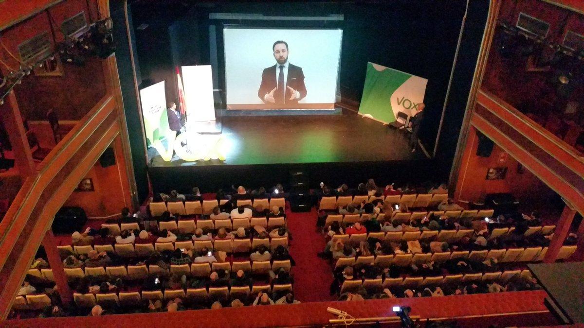 Teatro La Latina de Madrid (España), sábado 21 de enero de 2017. III aniversario de VOX. El presidente de VOX, Santiago Abascal, participando en el acto del III Aniversario de VOX desde Alemania. Lasvocesdelpueblo