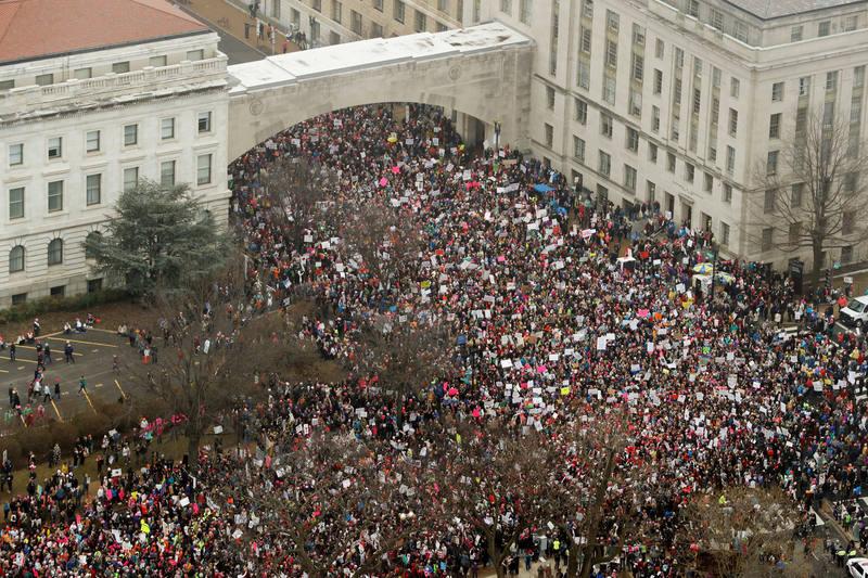 La asistencia a la 'Marcha de las Mujeres' supera el medio millar en Washington en una imagen de Reuters. Lasvocesdelpueblo.