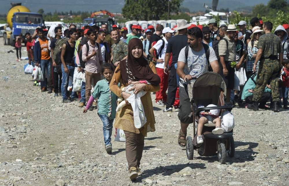 """Más de 100 colectivos de toda España viajan a Italia por la """"apertura de las fronteras"""" de Europa"""